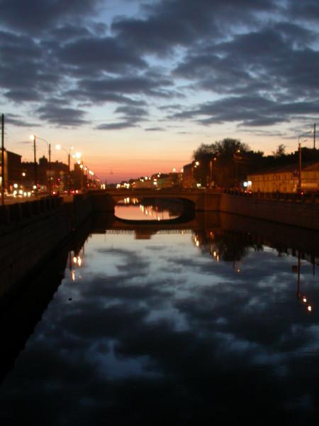 Обводной канал на закате. Фото: Lite