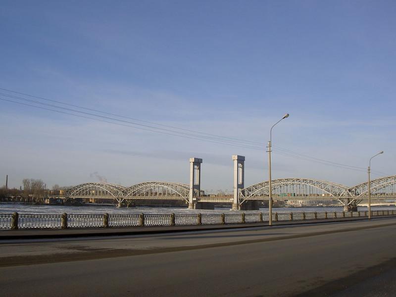 Финляндский ж/д мост. Фото: Dinamik