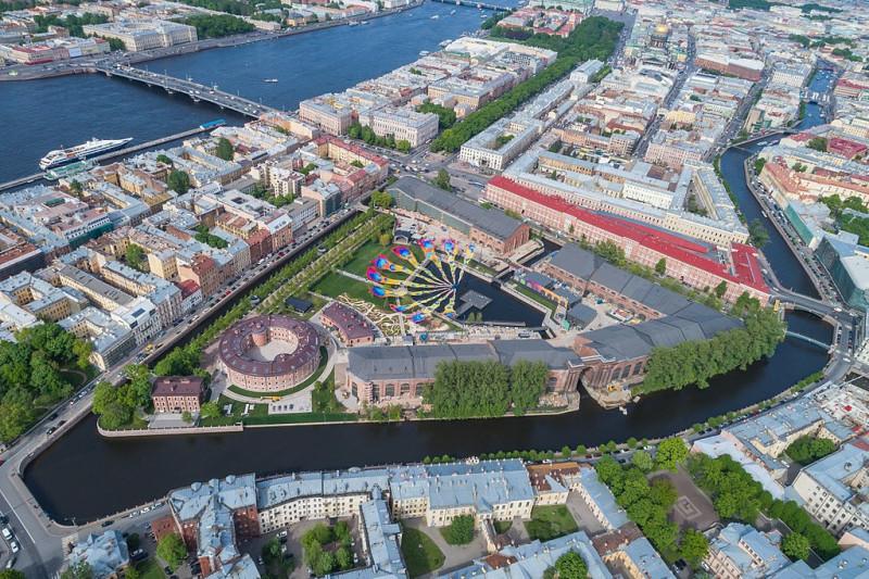 Аэрофотосъёмка Новой Голландии в Санкт-Петербурге. Фото: A.Savin (Wikimedia Commons · WikiPhotoSpace)