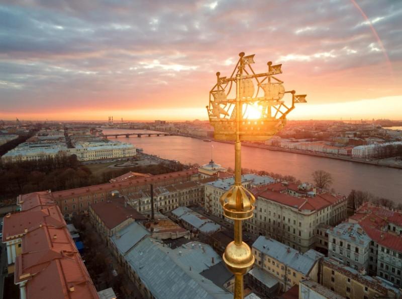 Истории кораблика на шпиле Адмиралтейства. Фото: zen.yandex.ru