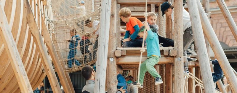 """Детская площадка """"Фрегат"""" на острове Новая Голландия. Фото: newhollandsp.ru"""