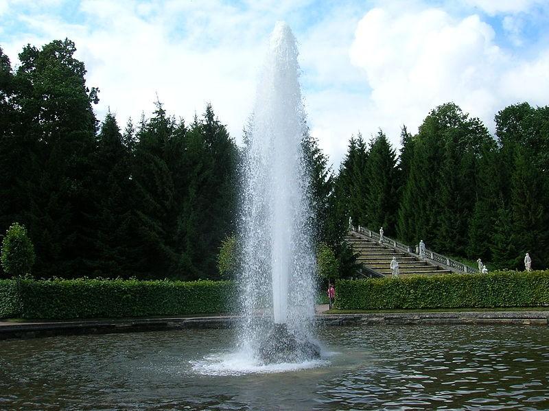 Менажерный фонтан. Автор: Белоусов Кирилл, Wikimedia Commons