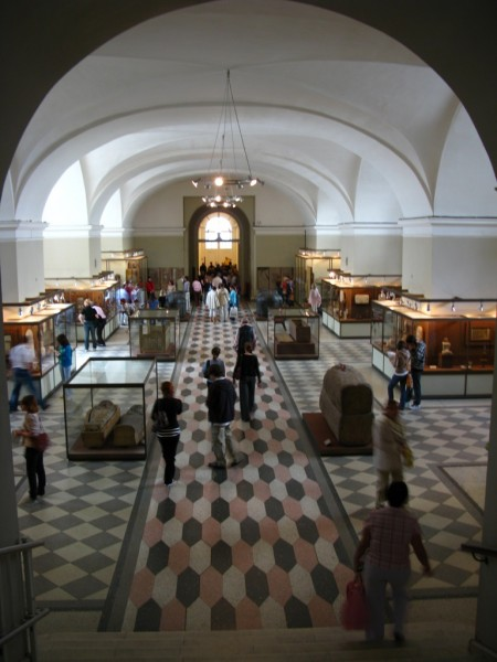 Эрмитаж. Египетский зал. Источник: https://en.wikipedia.org