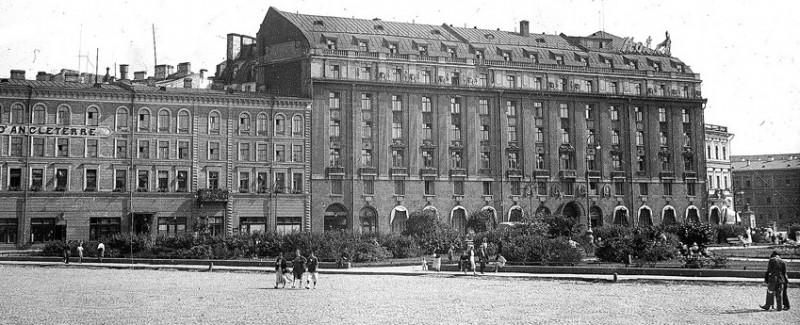 Гостиница Англетер, истопник фото:  Wikimedia Commons, Автор: Unknown