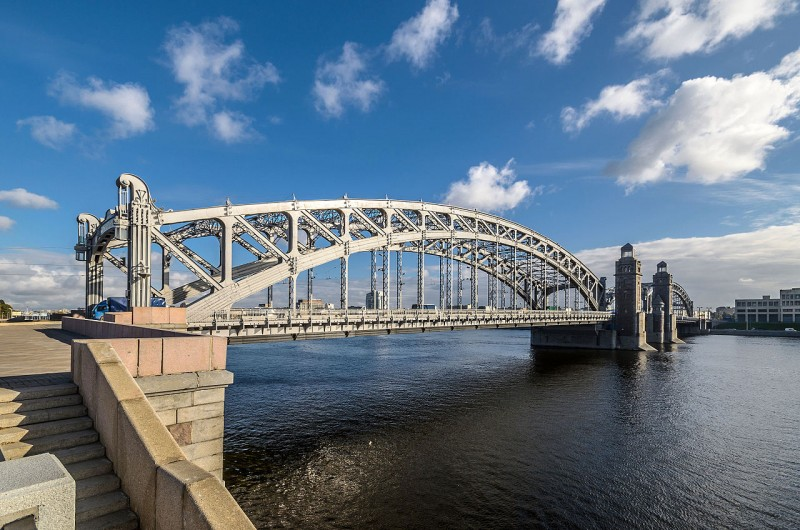 Большеохтинский мост. Автор фото: Florstein (WikiPhotoSpace)