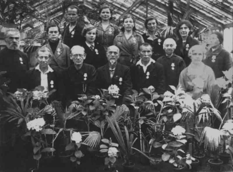 Сотрудники Ботанического сада. Фото: vk.com/botsad_spb