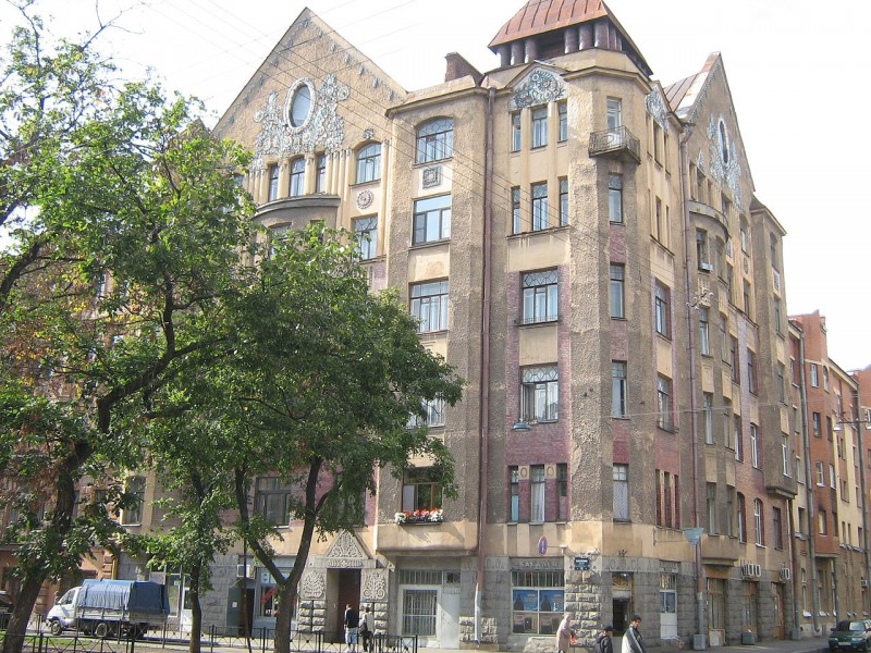 Доходный дом архитектора Захарова. Автор фото: Peterburg23 (Wikimedia Commons)