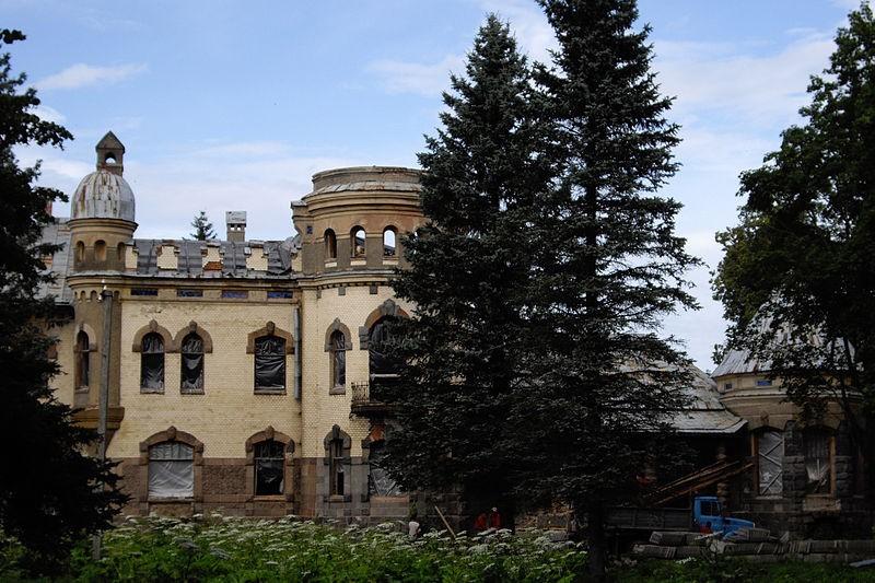 Усадебный дом Елисеевых в Белогорке, источник фото: Wikimedia Commons Автор: Potekhin