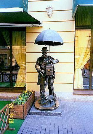 Памятник Петербургскому фотографу. http://wikimapia.org/
