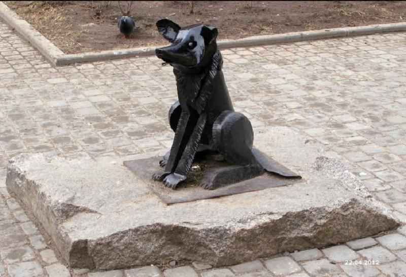 Памятник собаке Гаврюше