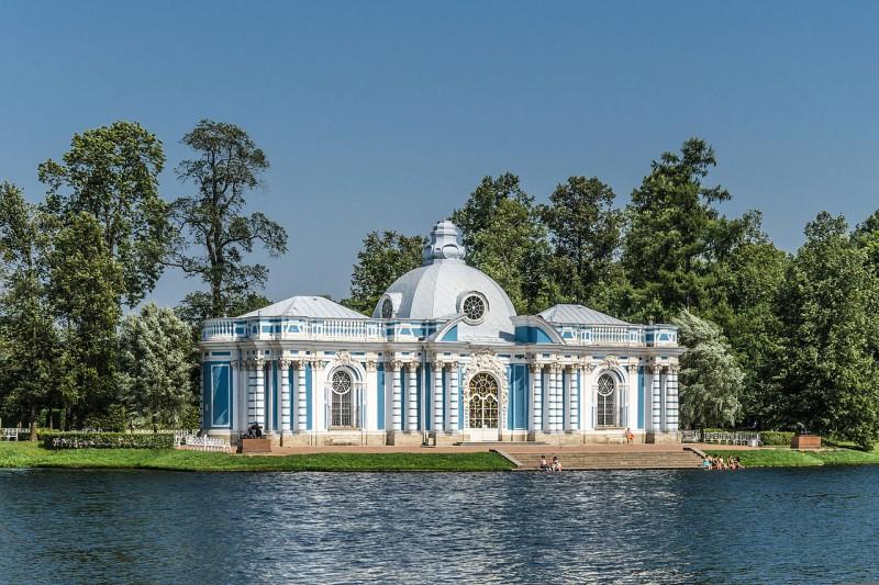"""Павильон """"Грот"""" в Екатерининском парке Царского села. Автор фото: Florstein (WikiPhotoSpace)"""