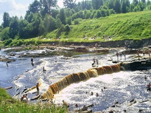 Каньоны реки Тосны и Саблинки, источник фото: http://www.fiesta.city/spb/places/zateryannyy-mir-kanony-leningradskoy-oblasti/