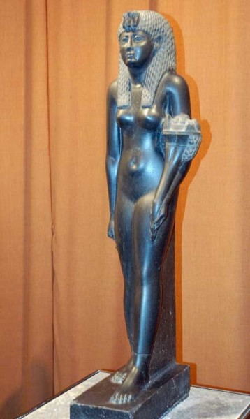 Статуя царицы Клеопатры