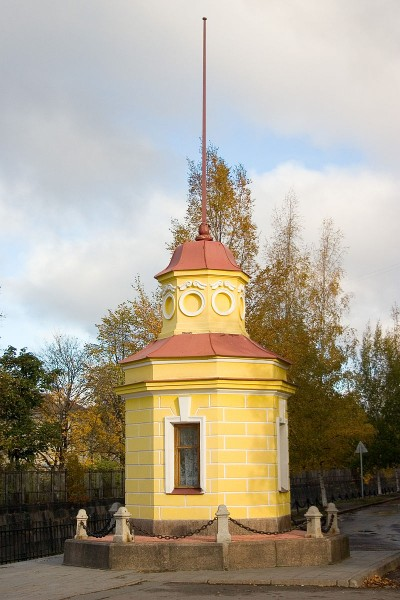 Кронштадтский футшток, источник фото: Wikimedia Commons, Автор: User:Panther