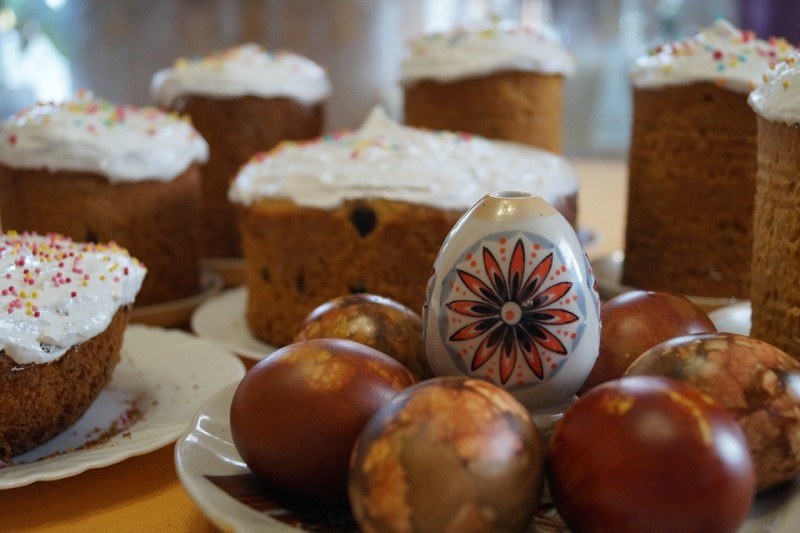 Куличи Пасха Яйца, источник фото: https://pixabay.com/ru/кулич-куличи-пасха-яйца-праздник-1612402/