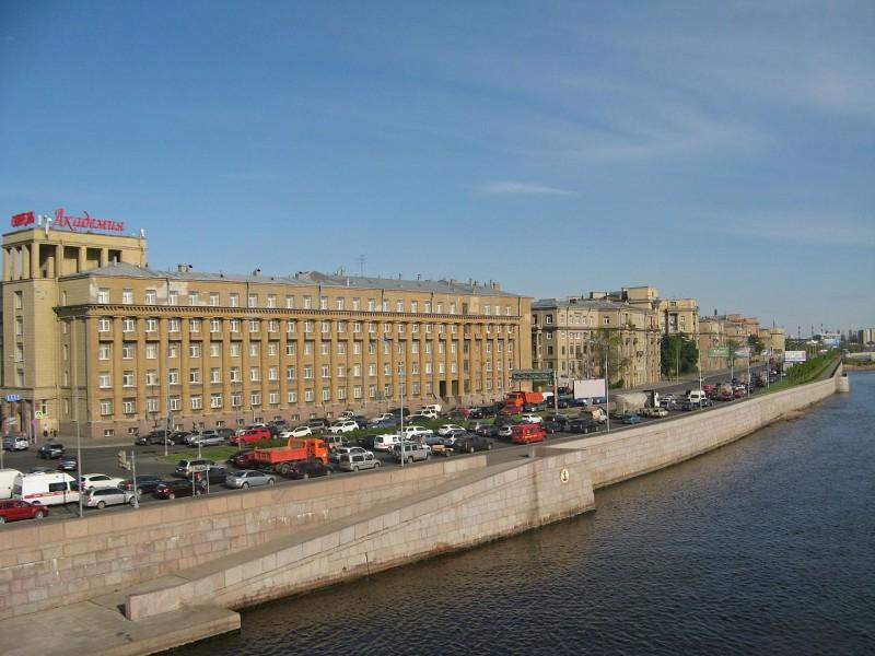 Малоохтинский проспект. Автор фото: Екатерина Борисова (Wikimedia Commons)
