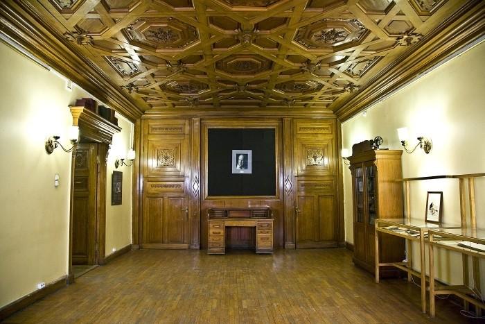 Музей-квартира Набокова, источник фото: https://saintpetersburg.zagranitsa.com/place/18186/muzeikvartira-nabokova