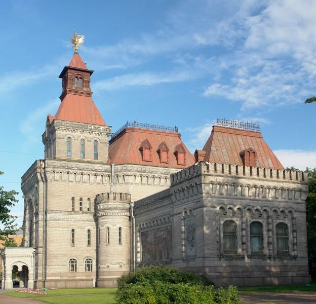 Мемориальный музей Суворова, боковой фасад. Автор: George Shuklin, Wikimedia Commons