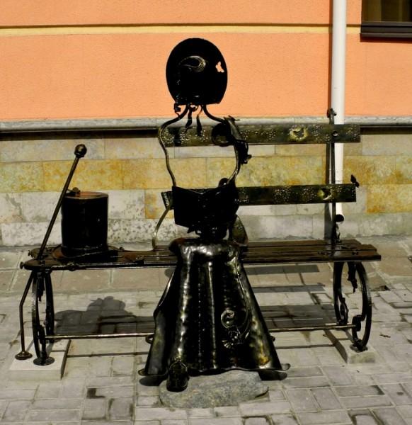 В Царском селе памятник жене поэта Натали Гончаровой. Автор фото: ИМеля