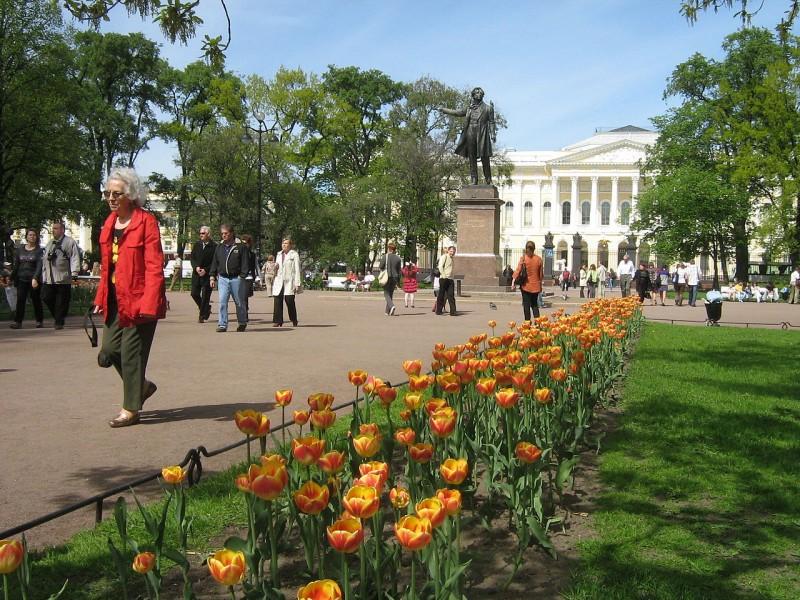 Площадь Искусств, источник фото: Wikimedia Commons, Автор: Peterburg23