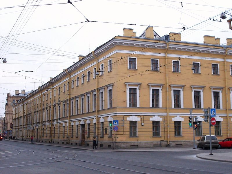 Ордонансгаузю Садовая, 3. Автор фото: Skydrinker (Wikimedia Commons)