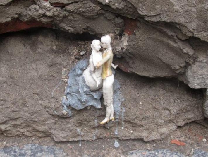 Секретные миниатюрные скульптуры