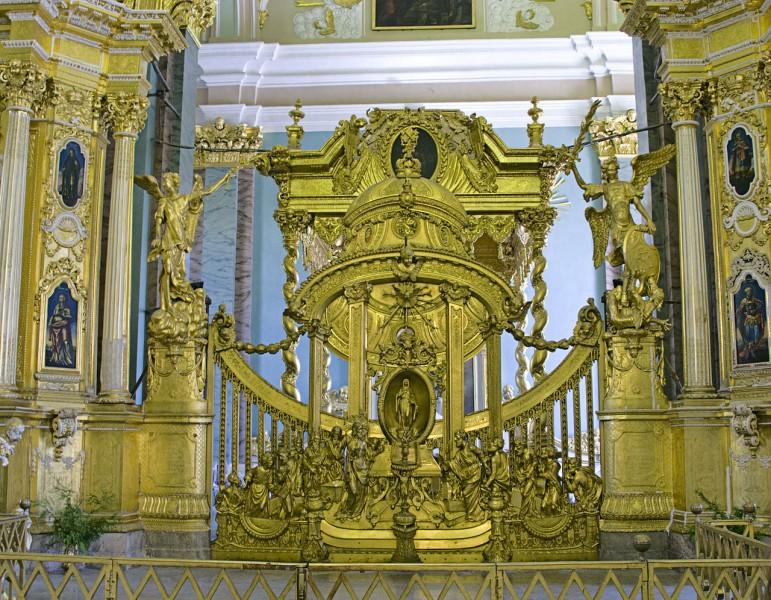 Царские врата в Петропавловском соборе. Автор фото: Ealdgyth (Wikimedia Commons)