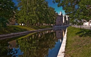 Река Карповка. Автор: Fotograf Источник: foto-planeta.com