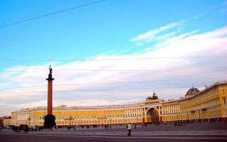 Дворцовая площадь. Фото: GAlexandrova (Wikimedia Commons)