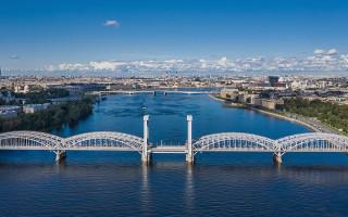 Река Нева. Фото: A.Savin (Wikimedia Commons · WikiPhotoSpace)