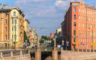 Перспектива Садовой улицы с Набережной реки Фонтанки у Мало-Калинкина моста. Фото: Florstein (WikiPhotoSpace)