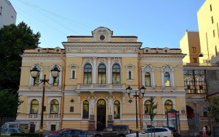 """Дворец """"Малютка"""" на улице Фурштатской, 58. Фото: GAlexandrova (Wikimedia Commons)"""