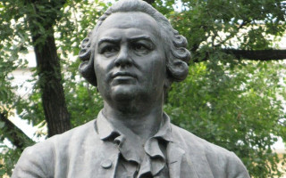 Памятник Ломоносову. Фото: Dimitri1cantemir (Wikimedia Commons)