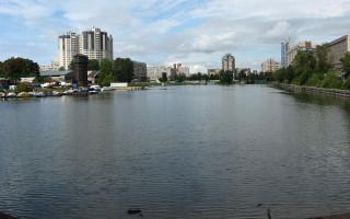 Галерная гавань в Василеостровском районе Санкт-Петербурга. Фото: Yanyarv (Wikimedia Commons)