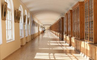 Коридор в здании Двенадцати коллегий (СПбГУ). Фото: NSmirnova