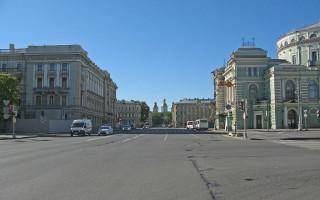 Театральная площадь, Санкт-Петербург. Фото: Екатерина Борисова (Wikimedia Commons)