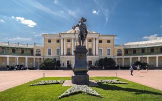 Памятник Павлу Первому. Фото: Florstein (WikiPhotoSpace)