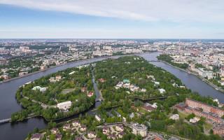 Аэрофотосъёмка Каменного острова в Санкт-Петербурге. Фото: A.Savin (Wikimedia Commons · WikiPhotoSpace)