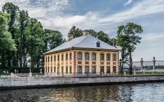 Летний дворец Петра Первого в Летнем саду. Фото: Florstein (WikiPhotoSpace)