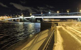 Володарский мост. Фото: Monoklon (Wikimedia Commons)