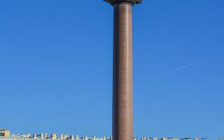 Александровская колонна. Фото: Антон Шестаков (Wikimedia Commons)