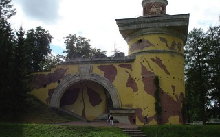 Башня-руина. Автор: SERGiK73, Wikimedia Commons
