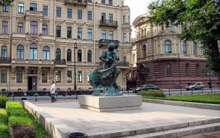 "Памятник ""Царь-плотник"". Автор: Alexxx1979, Wikimedia Commons"