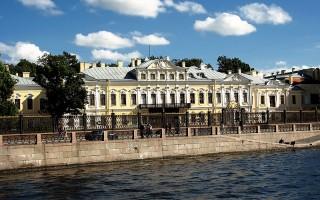 Шереметевский дворец или Фонтанный дом. Автор: Steven Pavlov, Wikimedia Commons