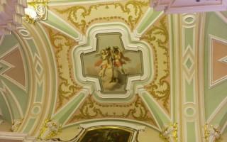 Петропавловский собор -  внутренний орнамент потолка