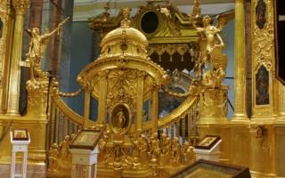 Петропавловский собор фотография внутри