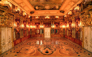 Янтарная комната. Фото: tsarskoe-selo.ru/yantarnaya-komnata
