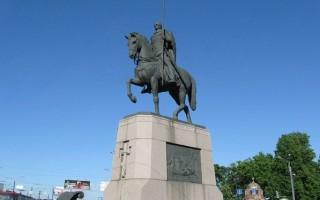 Памятник Александру Невскому. Автор: Андрей Сдобников, Wikimedia Commons