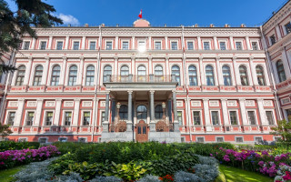 Николаевский дворец (Дворец труда) в Санкт-Петербурге