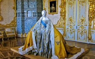 Екатерина Великая и Зимний дворец. Фото: iefimerida.gr